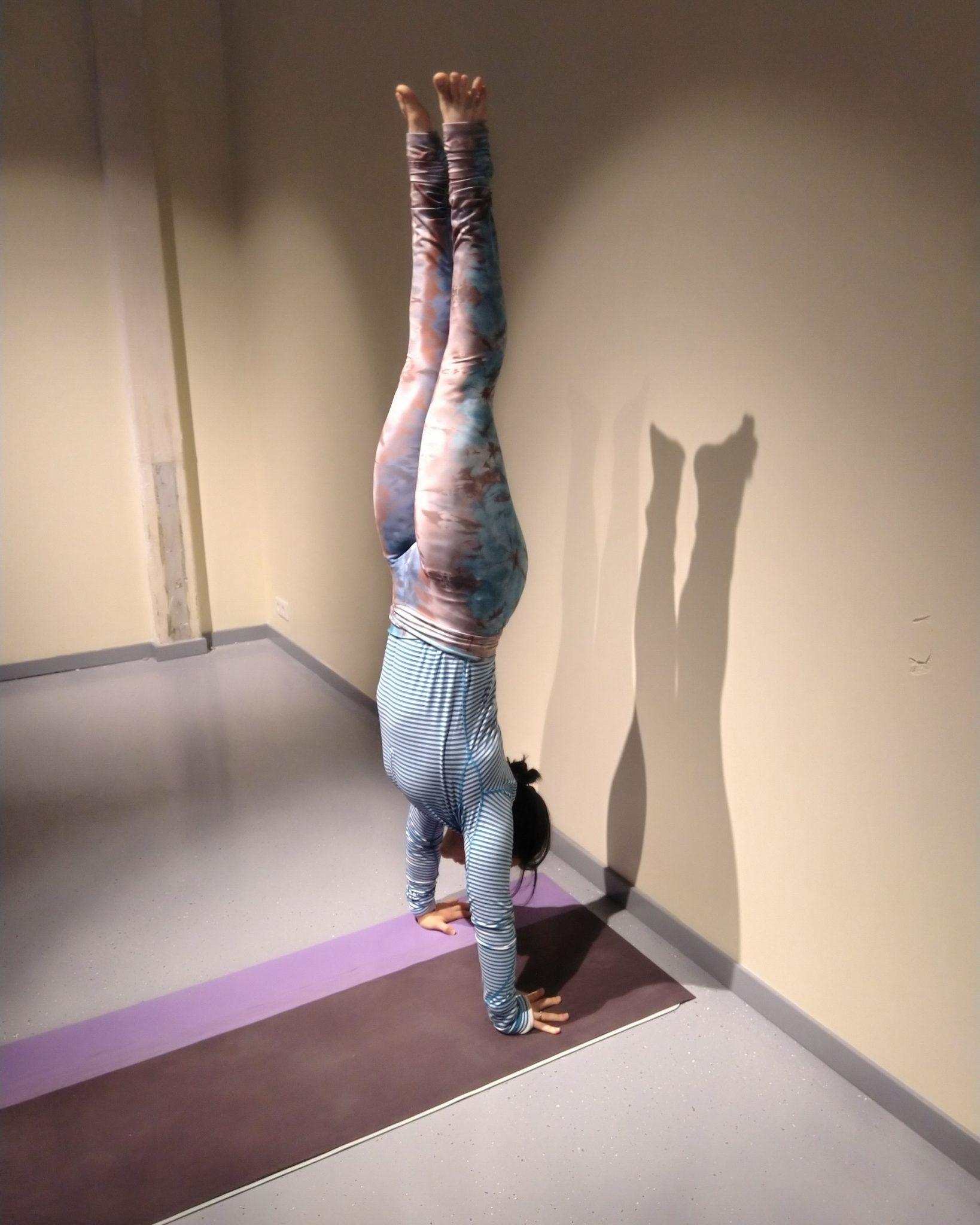 hand stand arm balance inversion